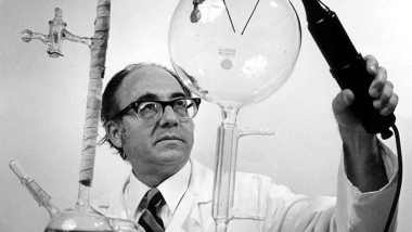Stanley Miller in lab