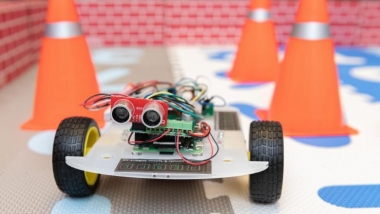 Ultra-low power chip runs robotic car