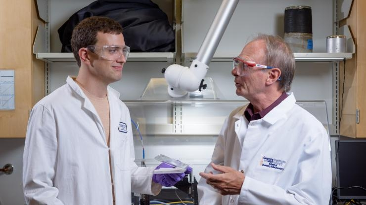John Reynolds and Brian Schmatz in Reynolds' lab
