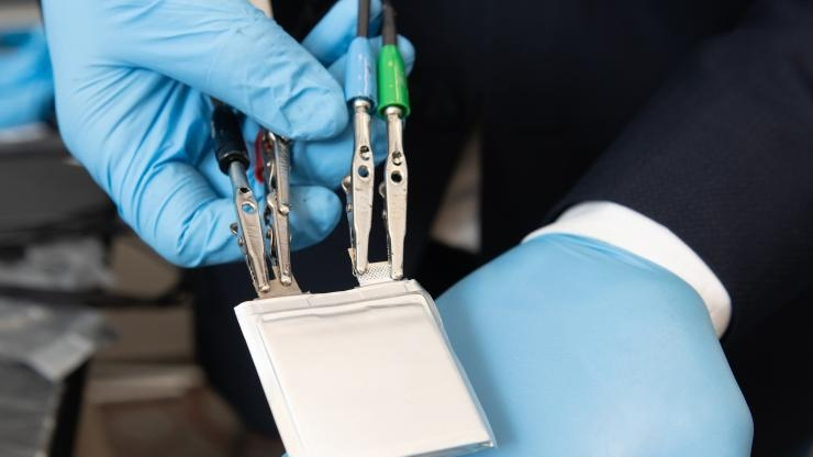 Stretchy Plastic Electrolytes Could Enable New Lithium-Ion