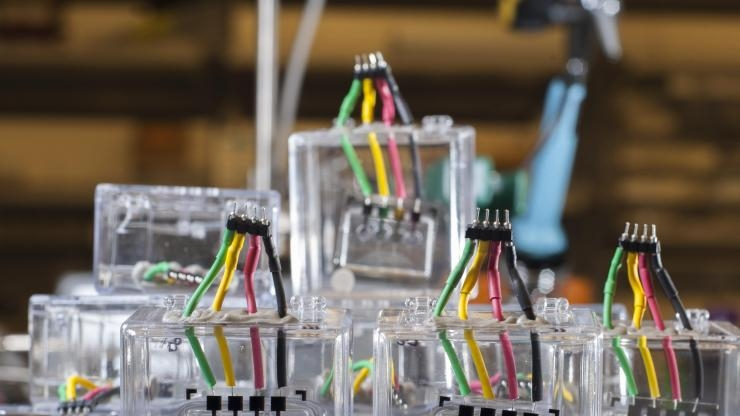 Microfluidic chips for artificial artery