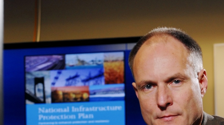 Research Horizons - Tackling Cyber Threats - critical field of information operations