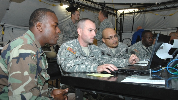 Research Horizons - Tackling Cyber Threats -Army