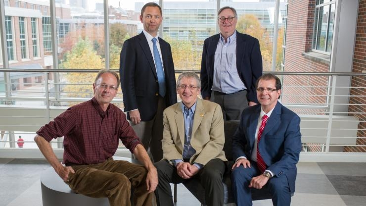 Research Horizons - Discoveries in MSE - Center for Organic Photonics and Electronics