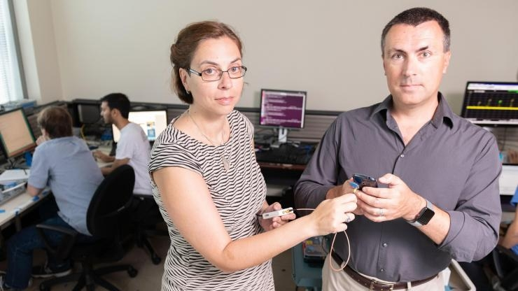 Capturing signals from a smartphone