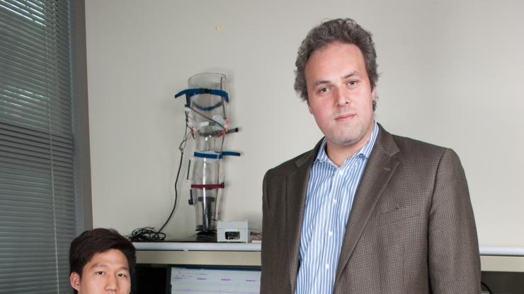 Prof. Omer Inan is developing knee listening device