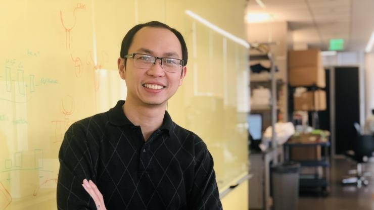 Mac Quoc in Gabe Kwong's lab