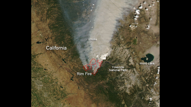 Rim Fire wildfire plume aerial view