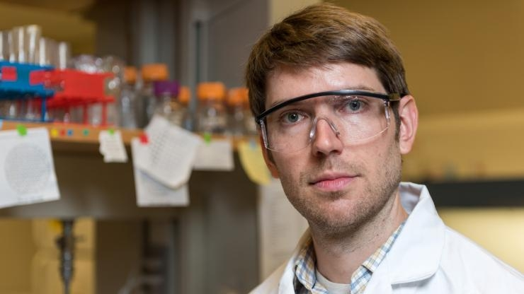 Biological Sciences researcher Will Ratcliff in his lab